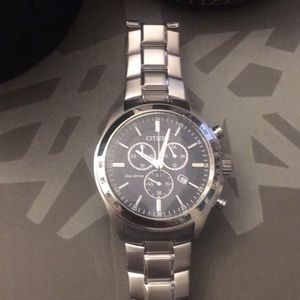 Citizen men's watch nice with case silver
